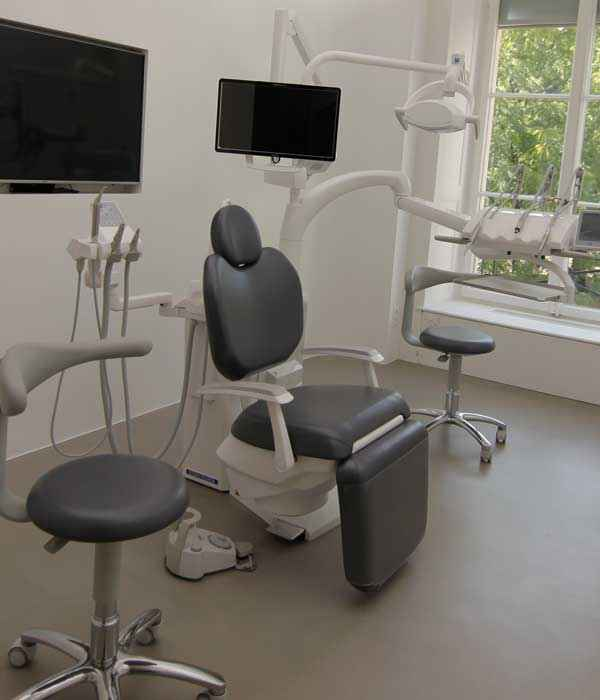 Dental Chairs/ Stern Webber 380trc – rigour and technological innovation : The new S380TRC is the perfect balance!