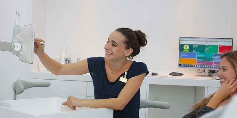 Hygienist and Bleaching service – smile Design Boutique, dental clinic in Geneva doing veneers