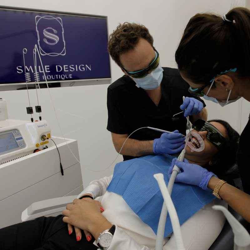 Ce magazine met en avant la qualité de notre blanchiment dans notre clinique dentaire
